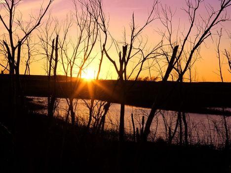 Lake_Wilson_Sunset,_Kansas