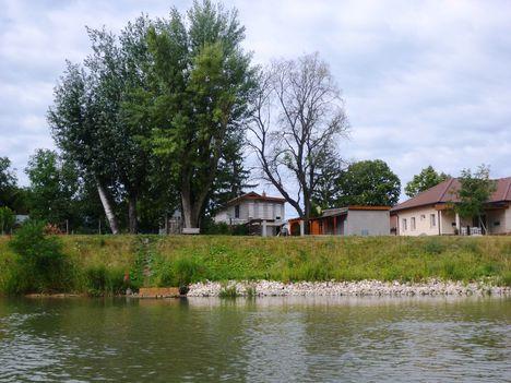 Mosoni-Duna Mecsér község belterülete melletti szakaszon, Mecsér 2017. július 26.-án 30
