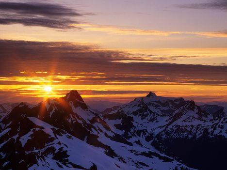 North_Cascades_at_Sunset,_Washington