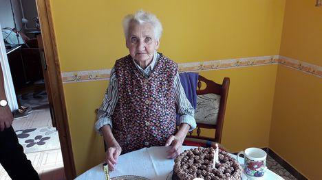 Szabó Gyuláné Mariska néni