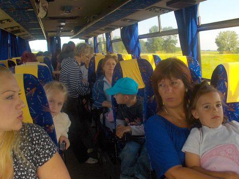 A buszon...