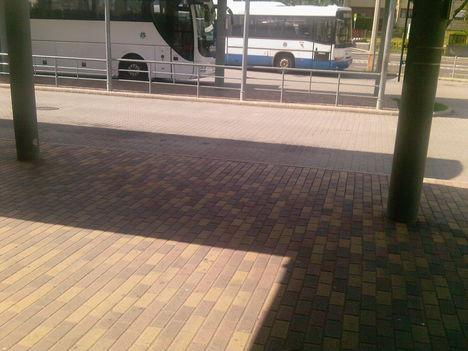két busz