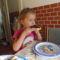 Nellikének izlik az első főzésből a lekváros kenyér.