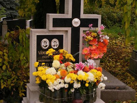 Záray Márta 1926-2001 - Vámosi János 1925-1997 - Újtelepi temető