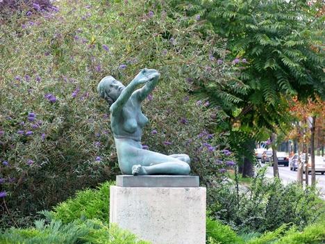 A szobor ébredése