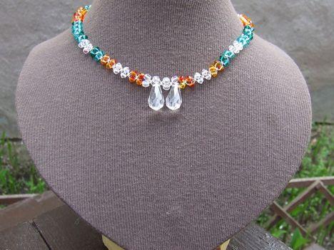 színes swarovski nyaklánc saját tervezésű, egyedi kivitelezésű ékszerek 3