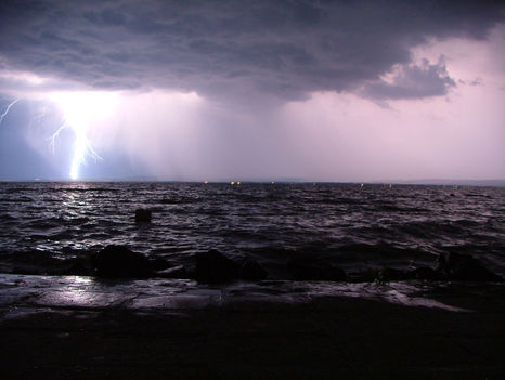Balatoni viharos időjárás
