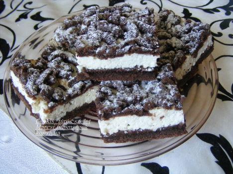 Csokis reszelős túrós szelet