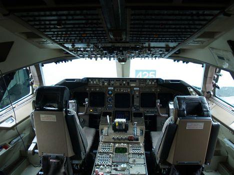 pilótafülkében