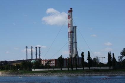szemben a Kelenföldi erőmű