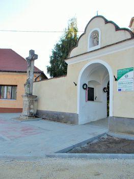 Elkészült a templom előtti tér 2