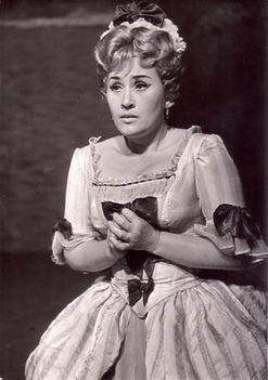 László Margit - Blonde
