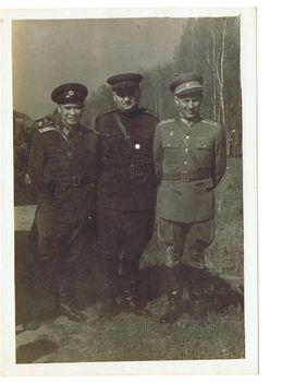 Hersitzky Lajos vezérőrnagy vietnámi és szovjet tiszttel 1962