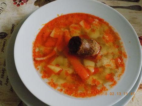 Kolbászos leves.