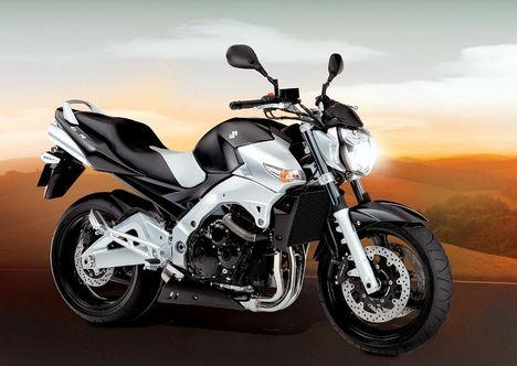 Suzuki GSR600 B-king 06  1