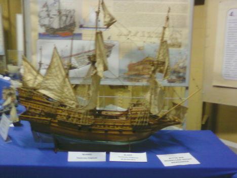 hajómakett a Debrecen csatahajón