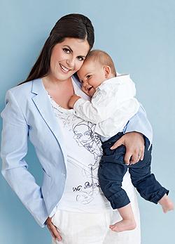Oszter Alexandra és kisfia