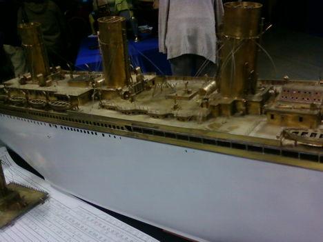 Titanic makettje