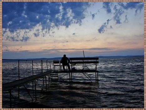 Balaton naplementéje, horgászokkal. 9