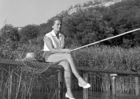 Fischer Annie horgászik