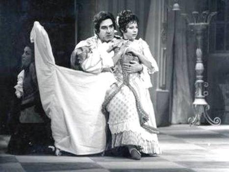 Kalmár Magda Melis György a Figaro házassága c. operában.
