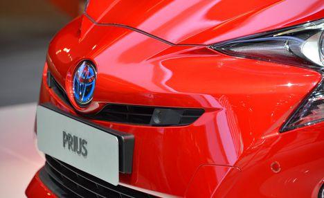 2016-Toyota-Prius-209-876x535