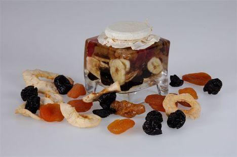 méz-006_szögletes amfóra_aszalt gyümölcsös méz