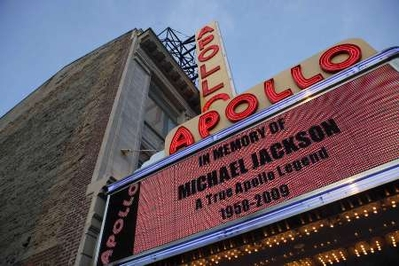 mj NY Apollo Theater