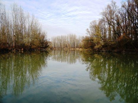 A Kőhídi vízszintszabályozó műtárgy felvize, Dunasziget 2018. január 22.-én