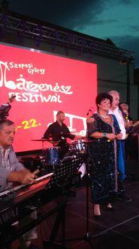 Esze Jenő, Pere János és  Szóka Júlia a 2018-as Egri  Trilla-fesztivál szalonzenei műsorában