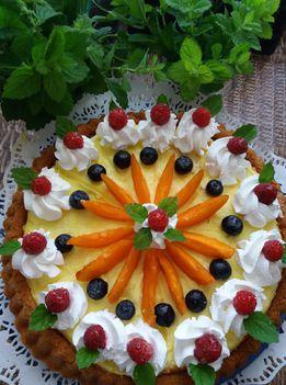 Gyíümölcs torta