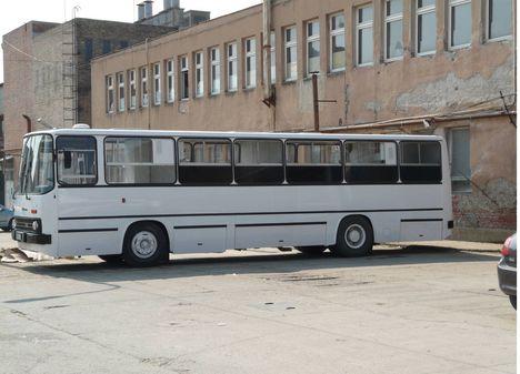 ikarus egészségügyi busz