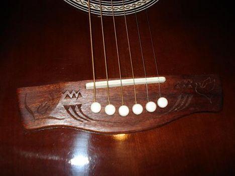 gitár tetoválás