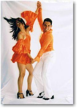 salsa tánc képek 03. - Narancsba öltözve