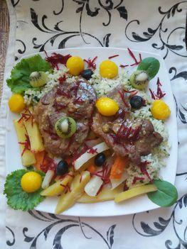 Fokhagymás szelet rizzsel és párolt zöldségekkel