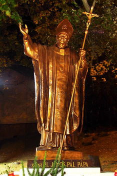 Szent ll. János Pál pápa szobra Pannonhalmán 2018. 10. 26.