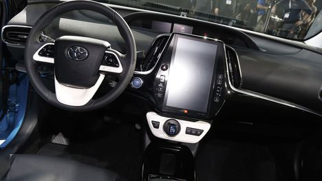 2019-toyota-prius-redesign-and-price
