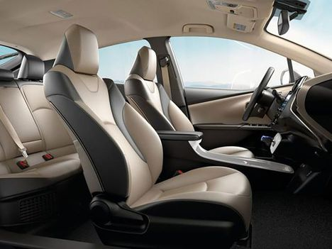 2019-Toyota-Prius-interior