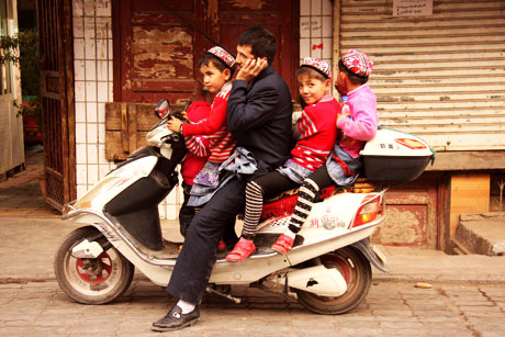 kashgar család a biciklin