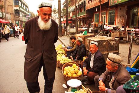 kashgar gyümölcsárusok