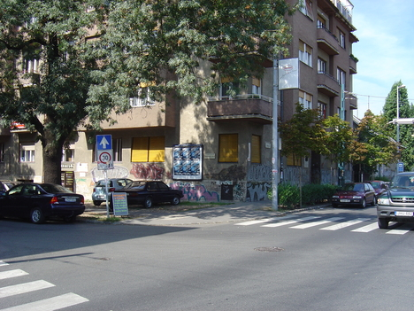 a Badacsonyi utca sarok