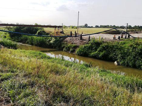 Megkezdődött a GYESEV vasúti híd építése a Lajta Balparti csatorna márialigeti szakaszán, Hegyeshalom 2018. augusztus 28.-án