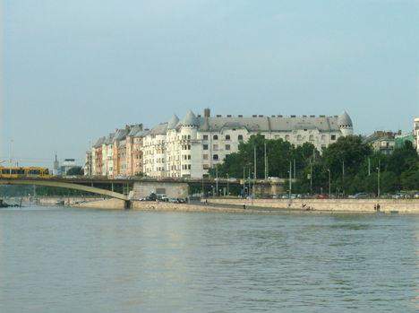 Budapest látképe a Dunáról (12)