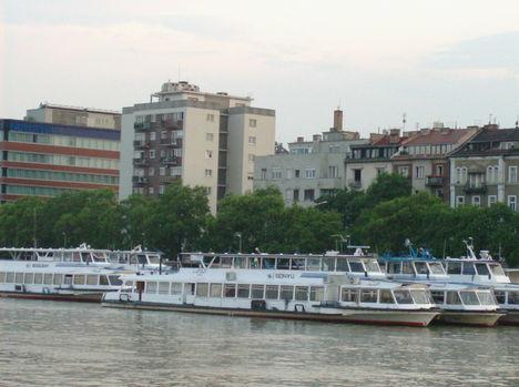 Budapest látképe a Dunáról (15)