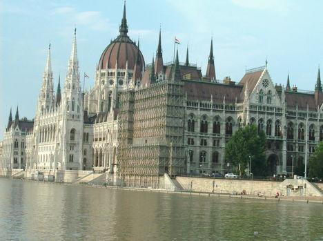 Budapest látképe a Dunáról (22)