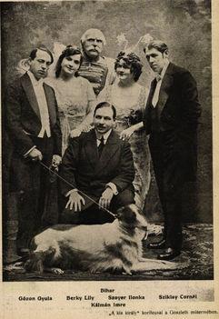 Kálmán Imre Kiskirály c. operettje premierje Színházi Élet 1914