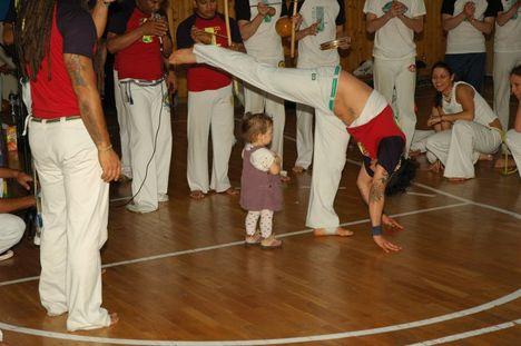 Bracos Fortes Batizado (2009 április) Mestrando Joao és kislánya Jázmin