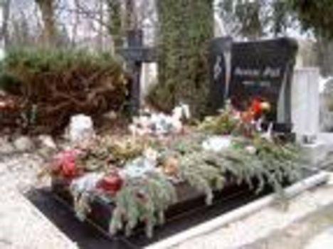 Szécsi Pál sírhelye: