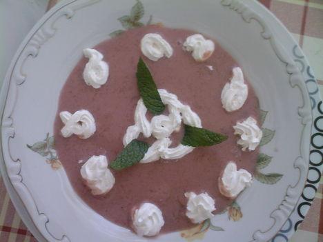 cseresznye krém leves