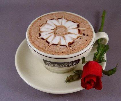 kávé-rózsával